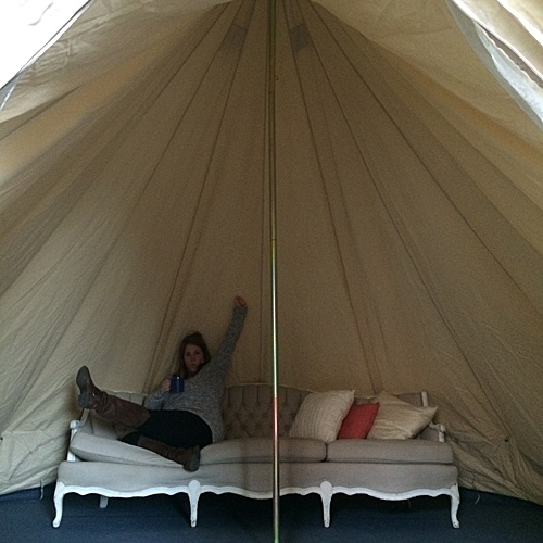 Super fun canvas tent large enough to fit a full bar or lounge area inside! Works indoors or outdoors.