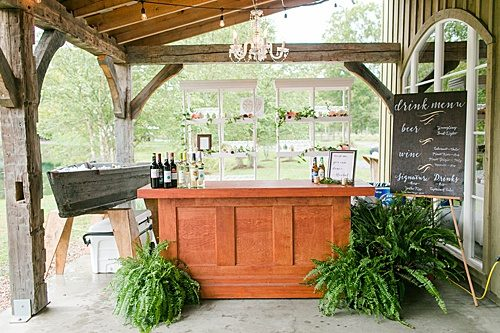 Paisley & Jade sponsored a Wedding Giveaway at Big Springs Farm and their vintage and speciality rentals were seen throughout the couples special day!