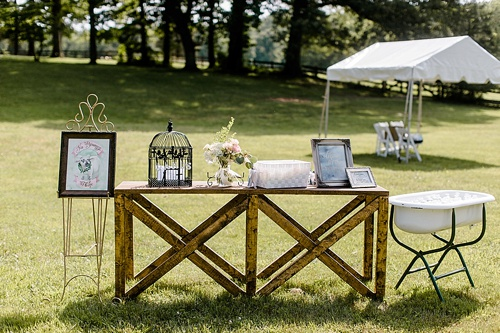 Rustic chic wedding at Deep Run Hunt Club in Virginia with specialty and vintage rentals by Paisley & Jade