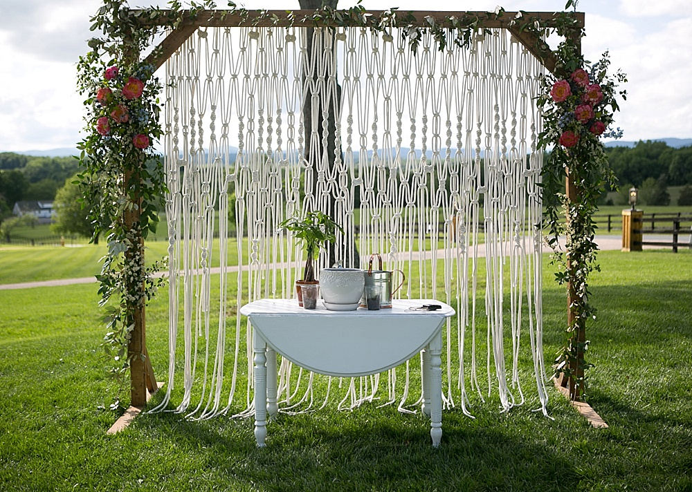 Beautiful boho-chic wedding at Mount Ida Farm in Charlottesville with specialty and vintage rentals by Paisley & Jade