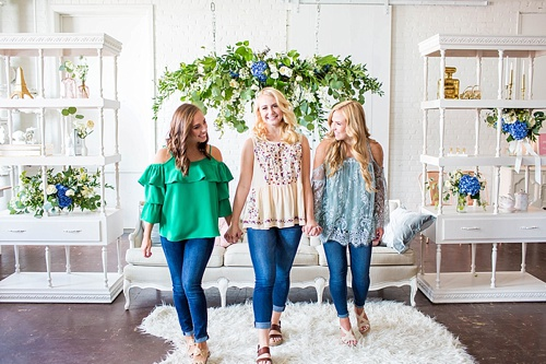 Bright and Colorful Senior Portrait sessions at Highpoint and Moore with Hope Taylor Photography. Inventory and space provided by Paisley and Jade