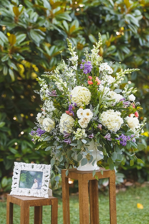 Causal and colorful garden wedding at Seven Springs Farm in Virginia with specialty and vintage rentals by Paisley and Jade