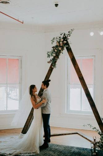 Modern and minimal wedding inspiration styled shoot in Richmond, Virginia with specialty and vintage rentals by Paisley & Jade