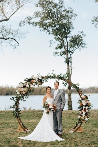 Copper-toned Fall Wedding at Upper Shirley Vineyards