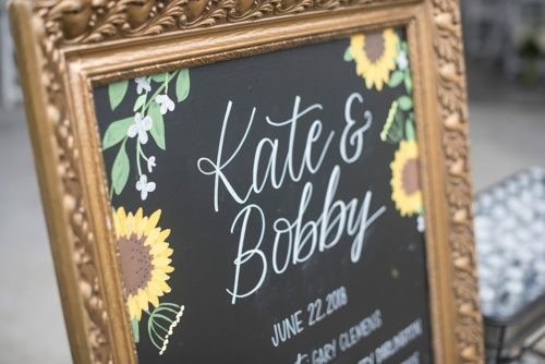 Kate & Bobby's Colorful Independence Golf Club Wedding
