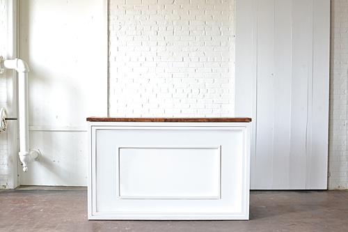 Estate style insert for shadowbox bar